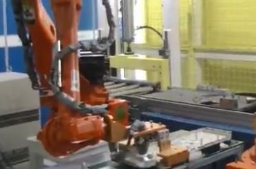 机器人装盘底